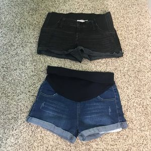 Pants - 2 pair of maternity shorts size 6 and size S